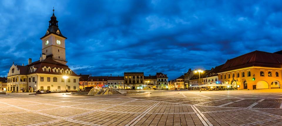 Main-square-in-Brasov