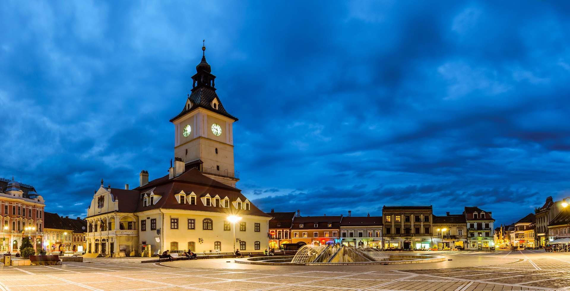Main-square-in-Brasov-resized__1447233861_92.82.233.49