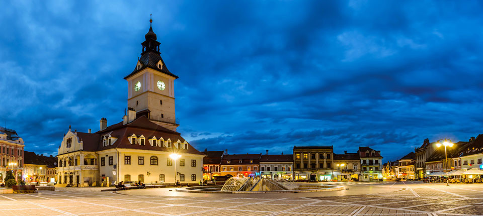 Main-square-in-Brasov-resized